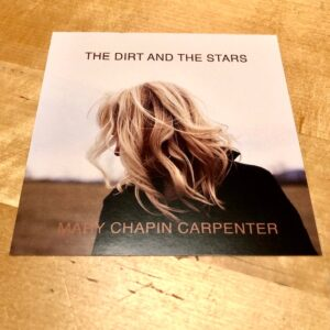 "Mary Chapin Carpenter: ""The dirt and the stars"" (2020)"