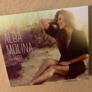 """Alba Molina: """"El beso"""" (2020)"""